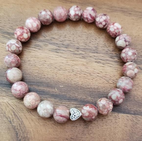 Chrysanthemum Stone & Heart Accent Bead Bracelet